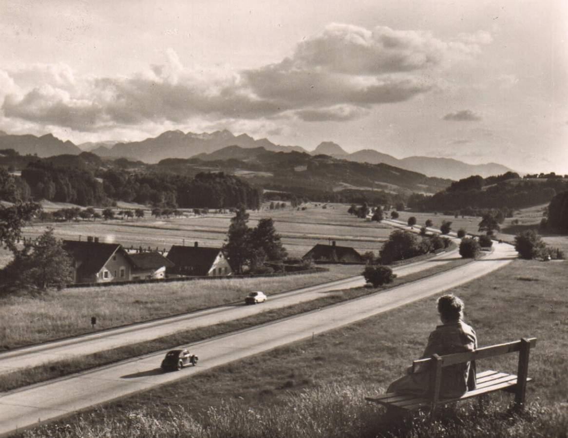 Alte Postkarte mit Autobahn