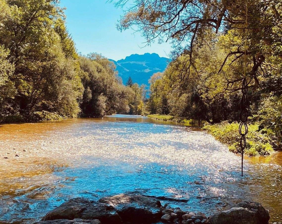 Fluss Prien mit Kampenwand ©Sandra Grünert