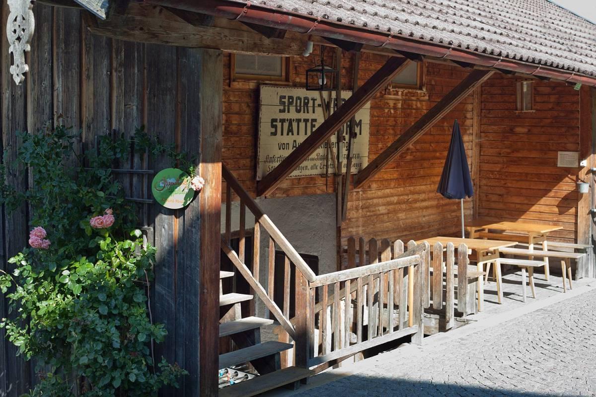 Jugendhaus Haslau Terrasse ©Jugendhaus