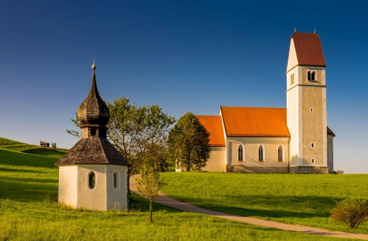 St Florian mit Brunnenkapelle ©Rainer Nitzsche